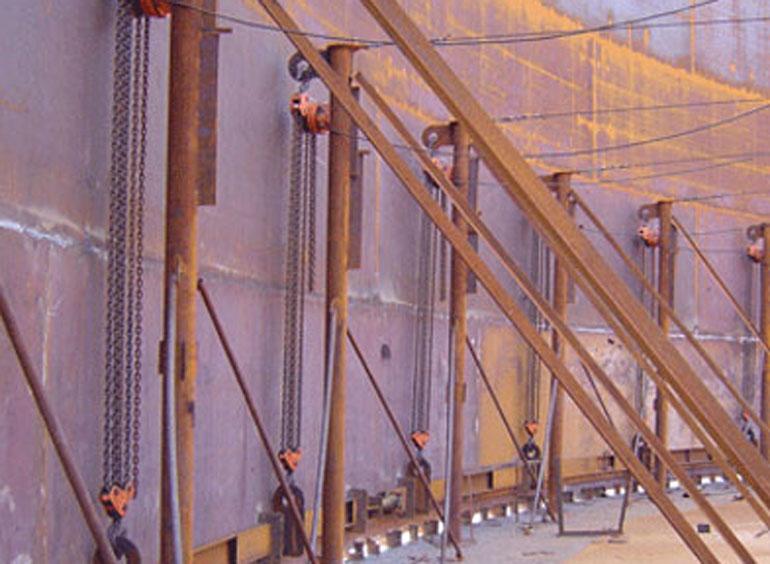 爬架电动葫芦用于储油罐施工